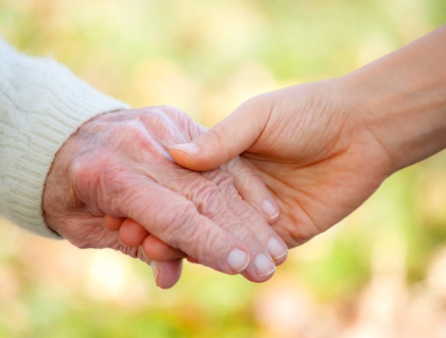 Quando é a hora certa para institucionalizar o idoso?