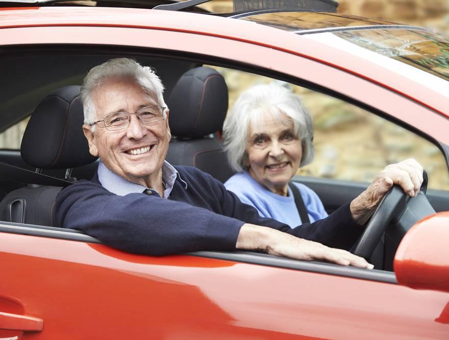 Idosos na direção: até qual idade é recomendável dirigir?