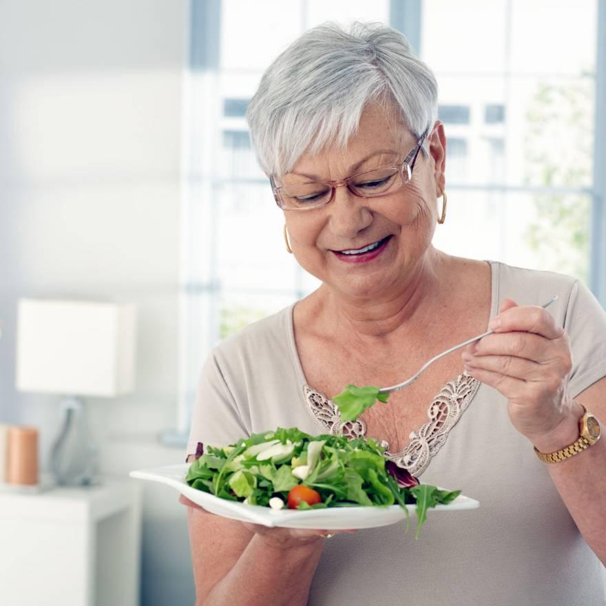 6 alimentos refrescantes para ingerir na temporada de calor
