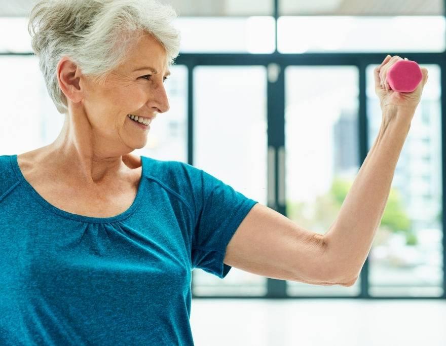 Osteoporose e o envelhecimento: como ocorre, sintomas, prevenção e tratamento