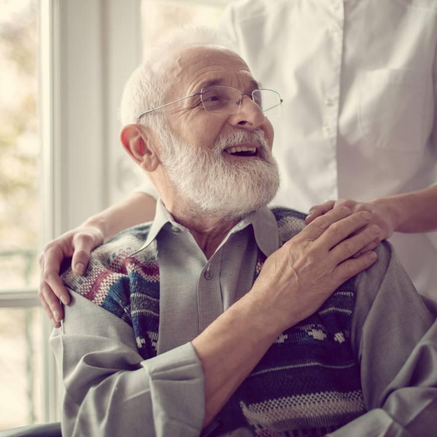A importância do cuidador na saúde do idoso