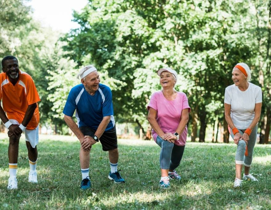 Alongamento para idosos: os benefícios da atividade na terceira idade